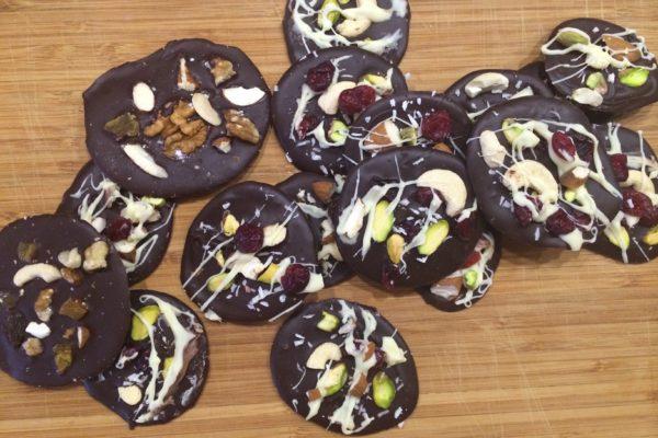 Julesnacks #1: Sjokoladepletter med frukt og nøtter
