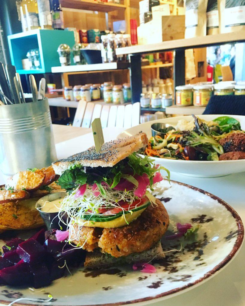 Vegetarburger på Funky Fresh Foods. Foto: Camilla Hellum