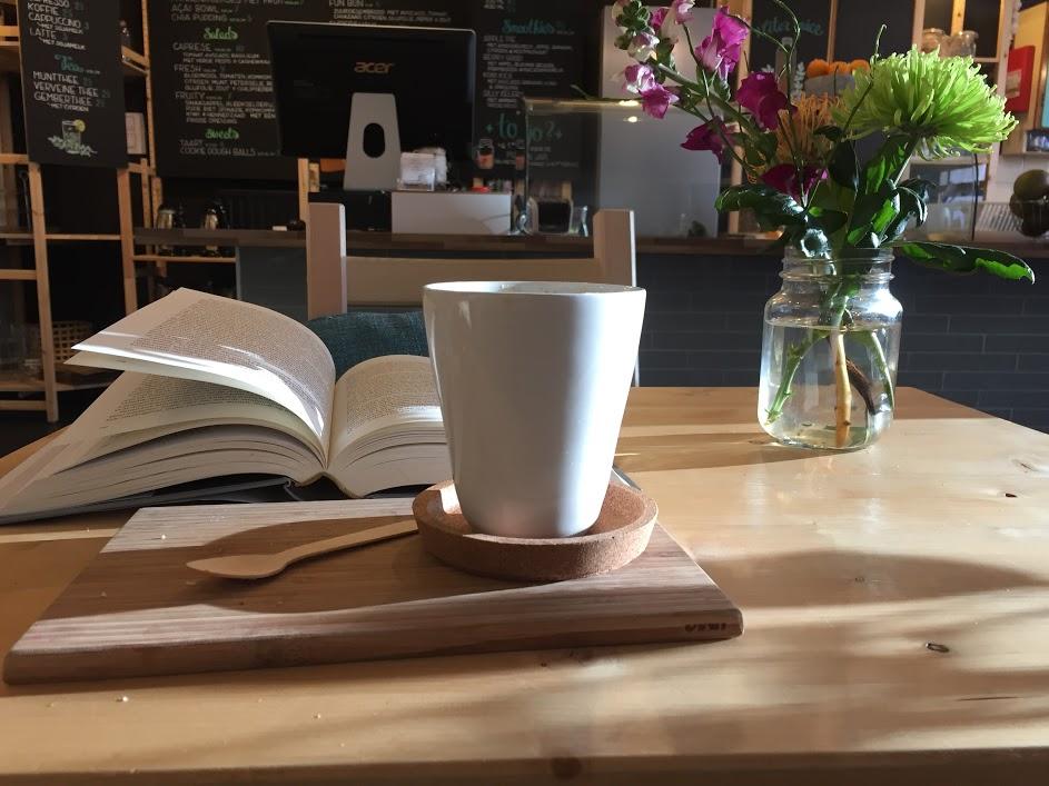 Capuccino med soyamelk, også på Tribestlife Rawfood Kitchen. Foto: Veronika Liverud Krathe