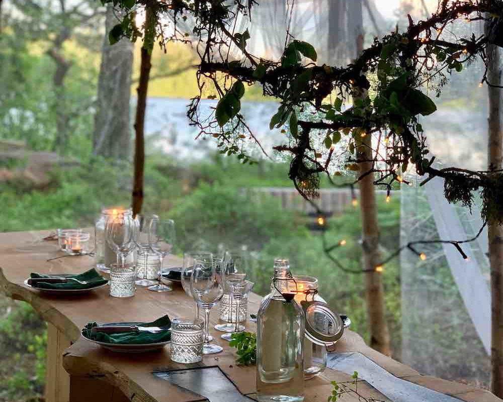 Det enkle er ofte det beste. Vakkert dekket bord.