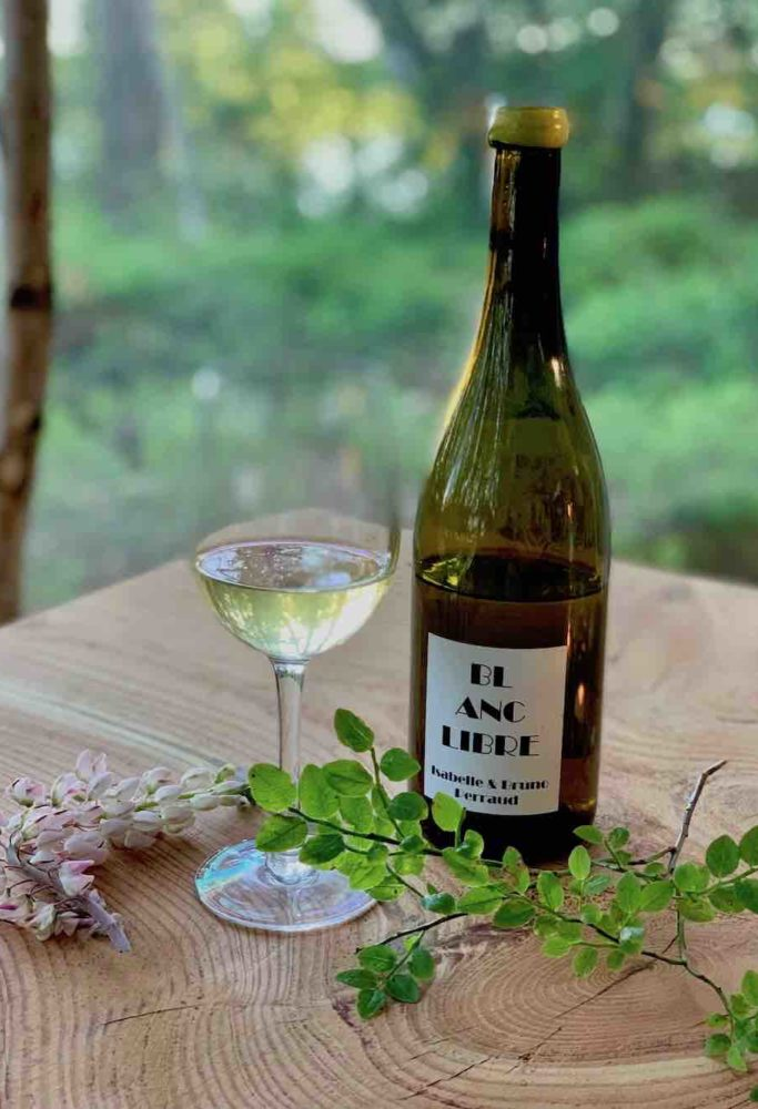 På Stedsans serveres kun natur/biodynamisk vin.
